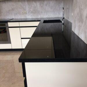 Granits Absolute black