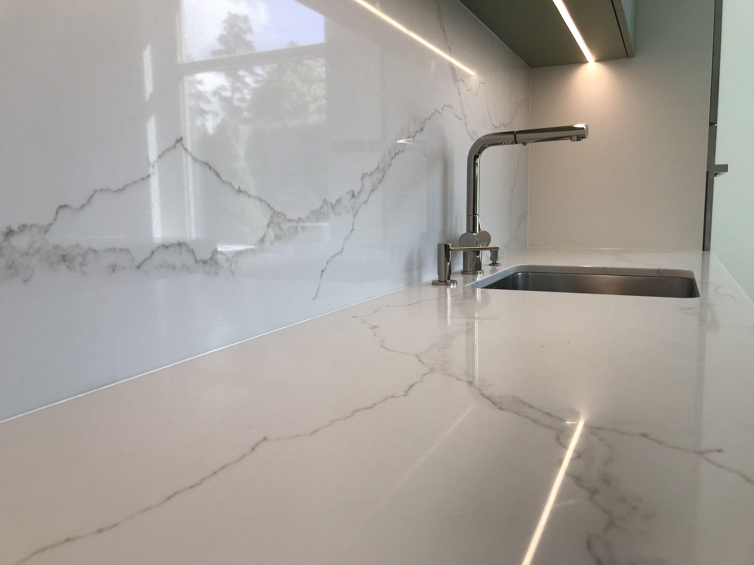 Kvarcs ar marmora rakstu